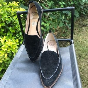 Vince Camuto Kade cutout suede loafer flat black